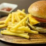 Mini hambúrguer para festas