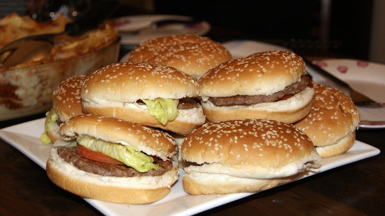 Como atrair clientes para hamburgueria